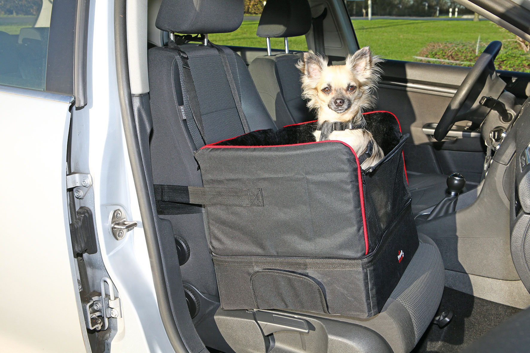 Autositz für Hunde TRIXIE 45 x 38 x 37 cm schwarz Bild 3